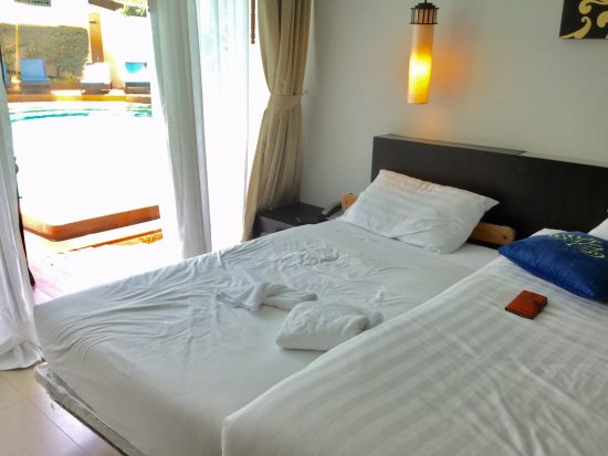 Palmyra Patong Resort: Extra bed.