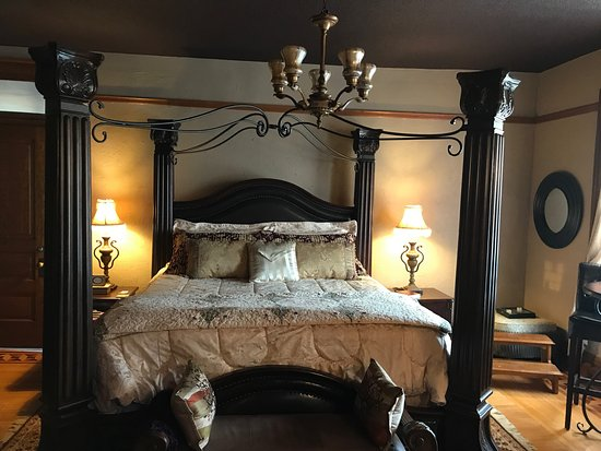 Glencoe, MN: Beautiful Bed and Breakfast