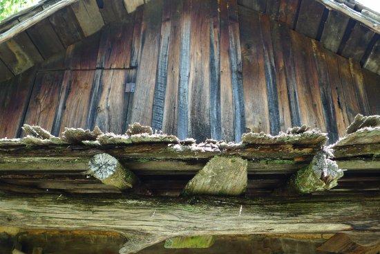 Clinton, TN: Detail cabin