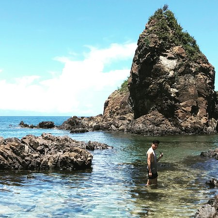 photo0jpg picture of diguisit rock formations baler