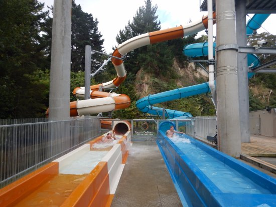Taupo DeBretts Spa Resort: Awesome slides
