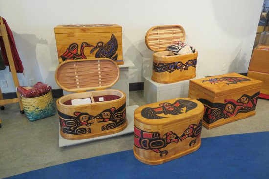 Nanaimo, Canada: Beautiful chests for sale in the gift shop