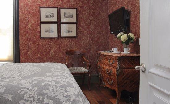Monte Cristo Bed and Breakfast: Room 17 - Antoinette Petite Queen