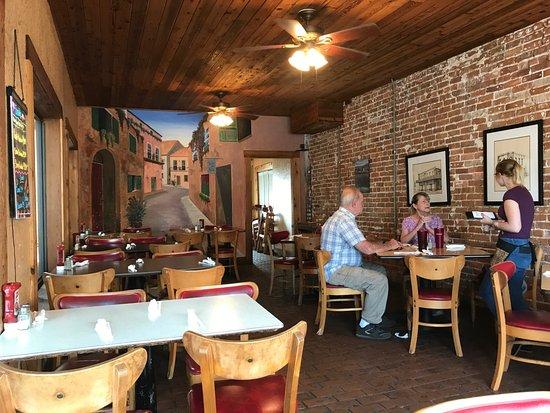 Starke, FL: Restaurant interior