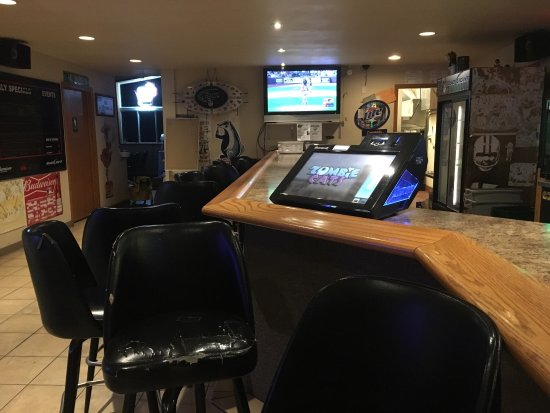 Courtside Sports Bar