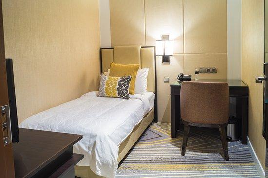 Ambassador Transit Hotel Terminal 2: Budget Room