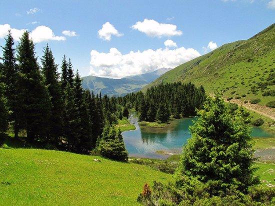 Cholpon Ata, Kirgizië: Ананьевское ущелье