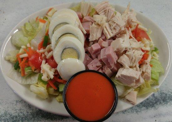Old No 12 Cafe & Lounge: Chef Salad