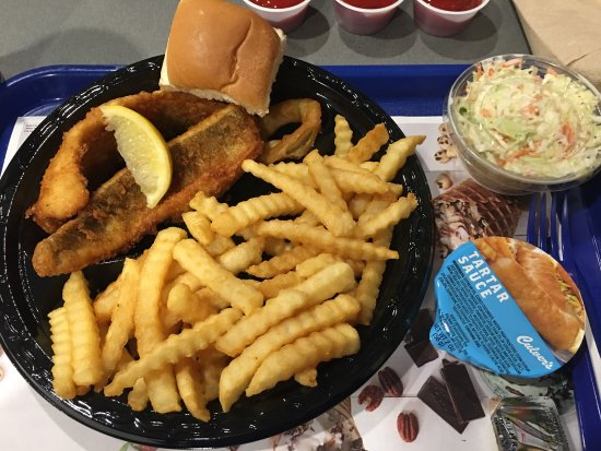 Jeffersonville, Indiana: Walleye fish dinner (limited time).