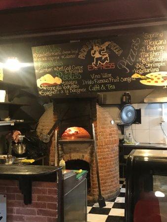 Padrino's Pizza Express: photo1.jpg