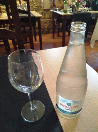 Sant Julià de Ramis, España: Agua con gas