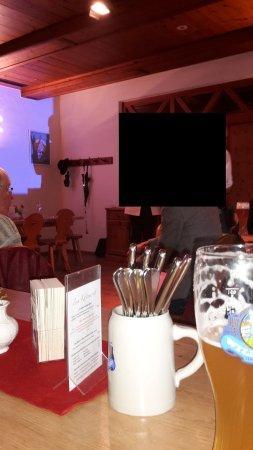 Grafing, Deutschland: Erst am späteren Abend konnte man sinnvoll miteinander ungestörter reden
