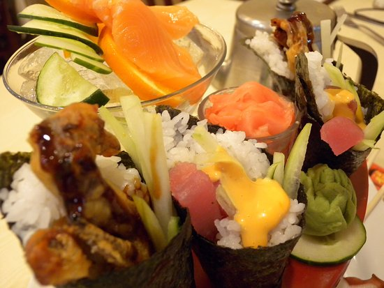 Daleville, VA: Combo with Soft Shell Crap Hand Rolls