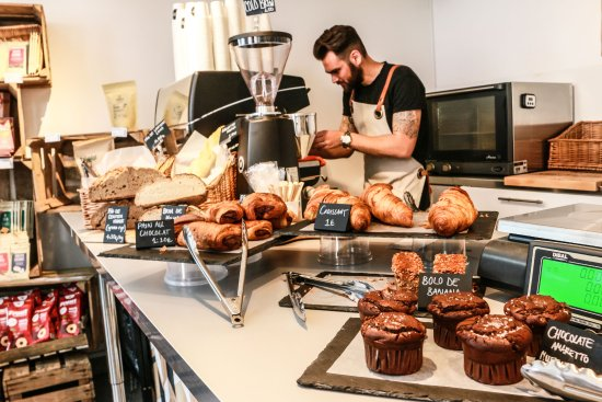 Mercearia da Mila: Bakery and coffee.