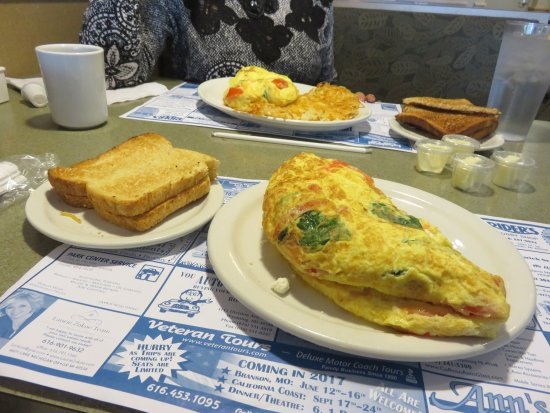 Coopersville, MI: Enormous Greek omelet