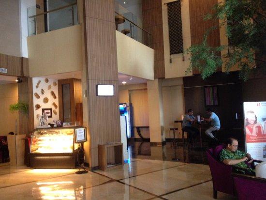 Kondisi Lobby Hotel Swiss Belinn Panakkukang
