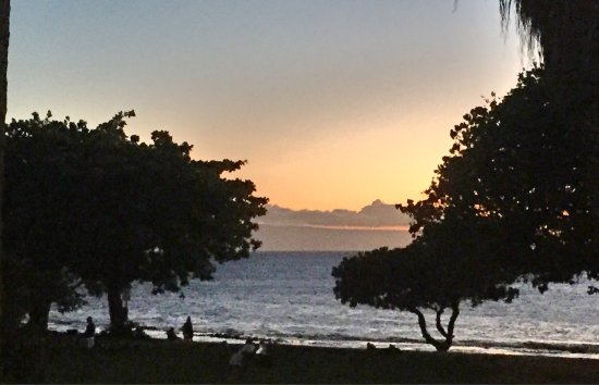 Hale Kai Oceanfront Condominiums: photo7.jpg