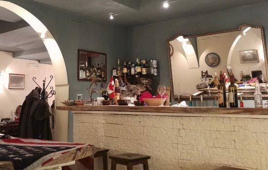 Hostaria Sante Vincenzi - Anda & Red: Un posto sentirsi sempre a proprio agio circondati da simpatia e disponibilità.