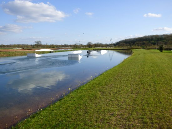 Henley-in-Arden, UK: Spot On Wake Base Line