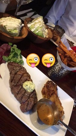 Fleet, UK: Sirloin steak, peppercorn sauce, sweet potato fries and lettuce wedge