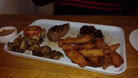 Walkden, UK: sirloin steak