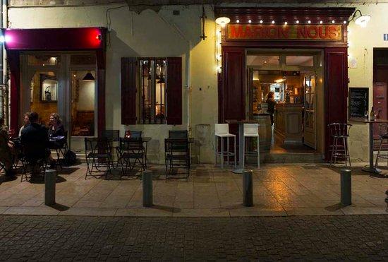 restaurant marion nous bar vins dans avignon avec cuisine autres cuisines. Black Bedroom Furniture Sets. Home Design Ideas