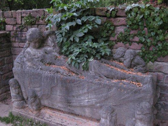 Schneewittchen-Denkmal