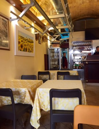 Antica Macelleria Trattoria: Typical Tuscan decor