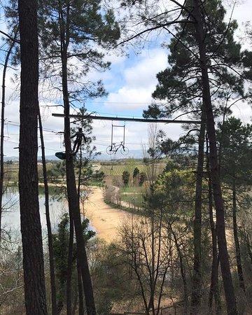 Mormoiron, ฝรั่งเศส: Notre nouveau vélo suspendu à près de 20 mètres de haut