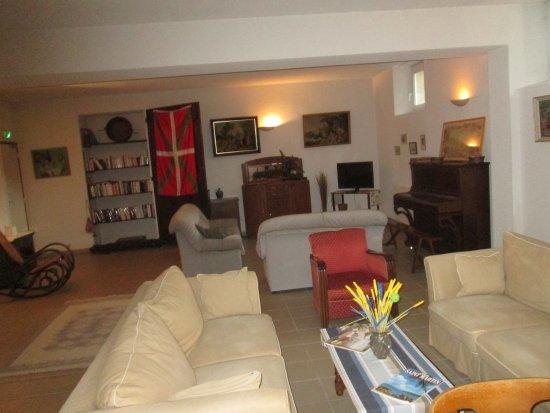 Tarnos, France : salon