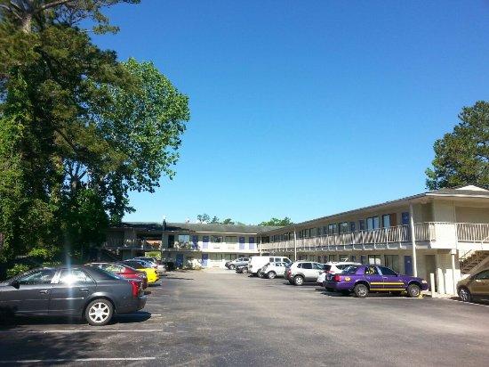 Motel 6 Charleston South: Nur ein Teilbereich dieses wirklich großen Motels