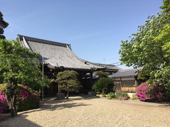 Kakuen-ji Temple