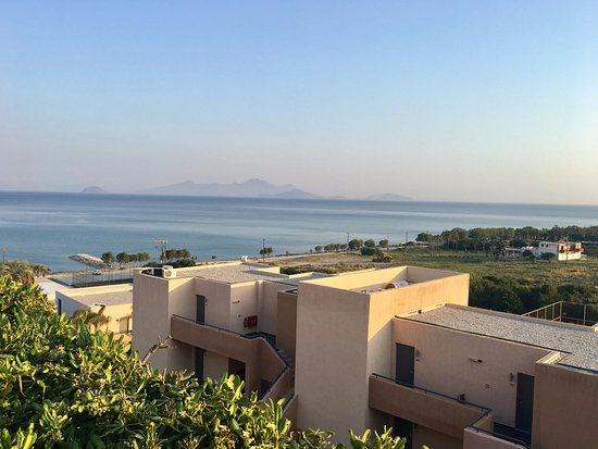 Sentido Carda Beach Atlantica: View of other hotel buildings as well as nearby islands that you can get a boat to.