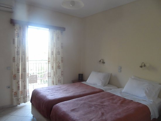Zante Star: twin bedroom