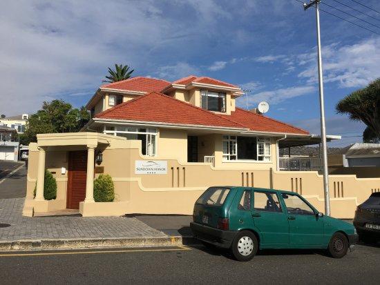 Fresnaye, Sudafrica: Die Pension ist in einer ruhigen Nebenstrasse