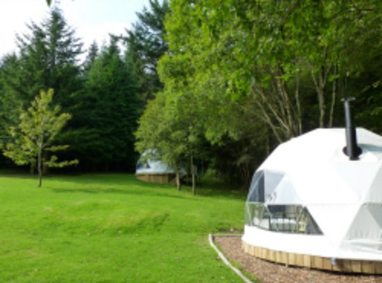 Invermoriston, UK: Our Two Geodomes available for hire, sleeps 4, fully equipped for self-catering stays.