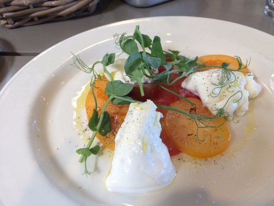 Blagdon, UK: Heritage Tomatoes with Buratta