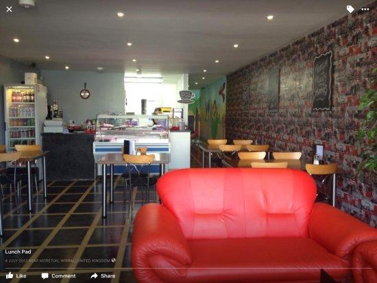 Moreton, UK: Fresh and clean