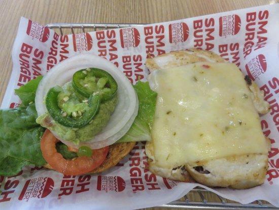 North Brunswick, Nueva Jersey: Small Grilled Chicken Burger