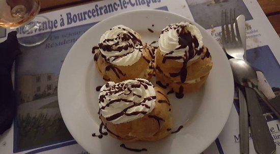 Bourcefranc le Chapus, Frankrijk: profiteroles maison