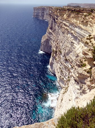 Munxar, Malta: heading towards Xlendi