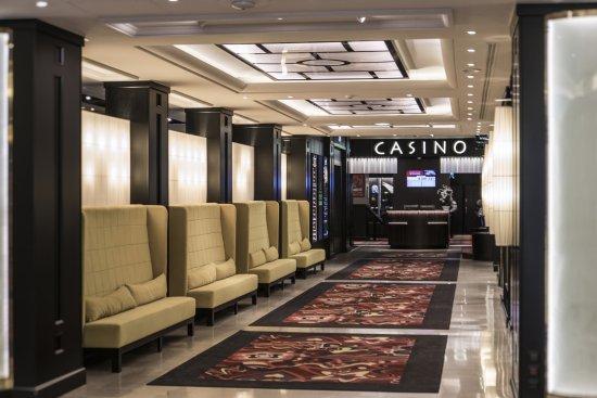 La Tour-de-Salvagny, France: Accueil du Casino