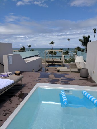 Excellence Club Honeymoon Oceanfront Two Story Rooftop