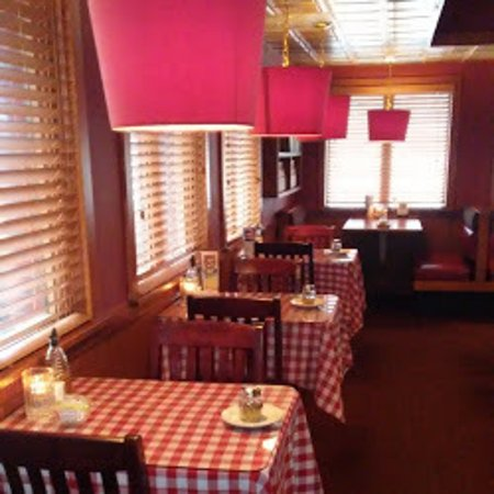 Ντέλαγουερ, Οχάιο: Seating for 2 to 18 at One Table, Additional Guests at Separate Tables.