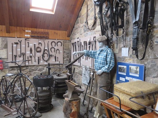 Ceres, UK: Farrier dispay