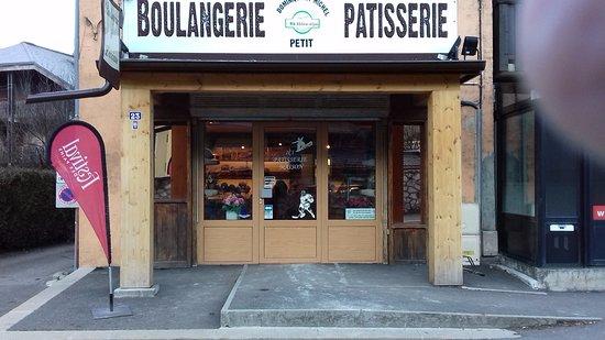 Thones, France: Présentation de la Boulangerie Patisserie