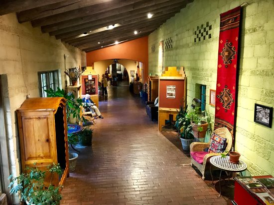 La Posada Hotel: A great place to stay if you are traveling in either direction I-40 in between Albuquerque and F