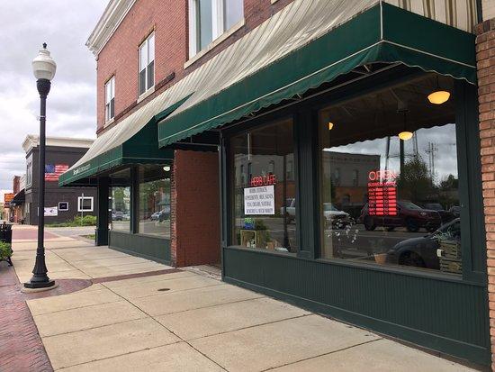 Berrien Springs, MI: Outside the Herb Cafe