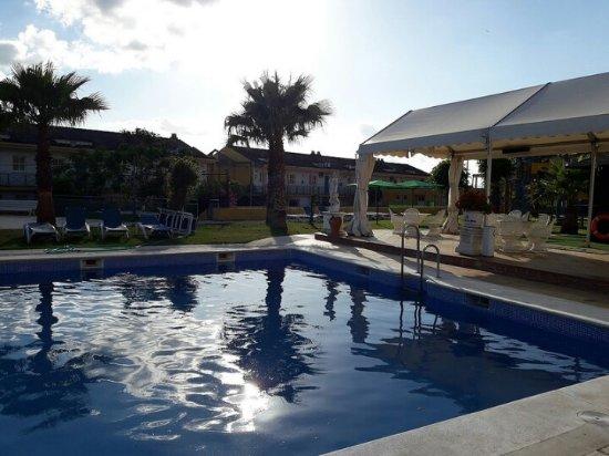 foto de hotel jm jardin de la reina sevilla piscina del