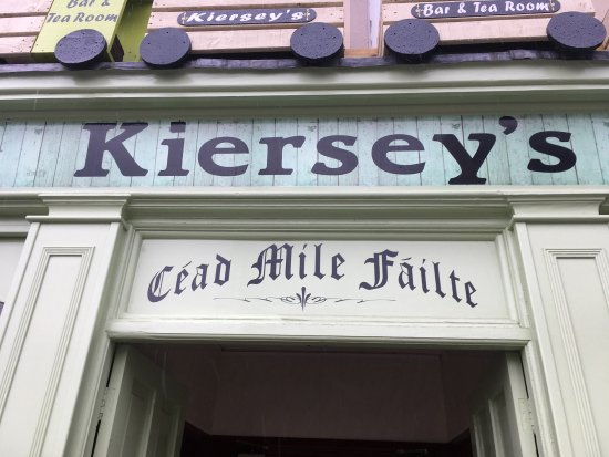 Kilmacthomas, Ιρλανδία: Storefront of this friendly cafe and bar